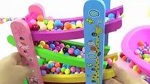 【<B>小猪</B><B>佩奇</B>玩具秀】<B>小猪</B><B>佩奇</B>的彩色糖果世界过家家