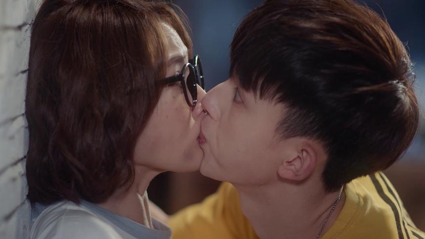 司徒枫陈青青初遇意外接吻