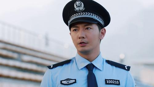 彭飞为寻真相进入警察学院